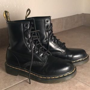 Original Dr. Martens 8-eye boot (Used)